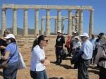 Αρχαιολογικός Χώρος Σουνίου. Τα μέλη μας ξεναγούνται από την Αρχαιολόγο κυρία Ελένη Ασημάκου.